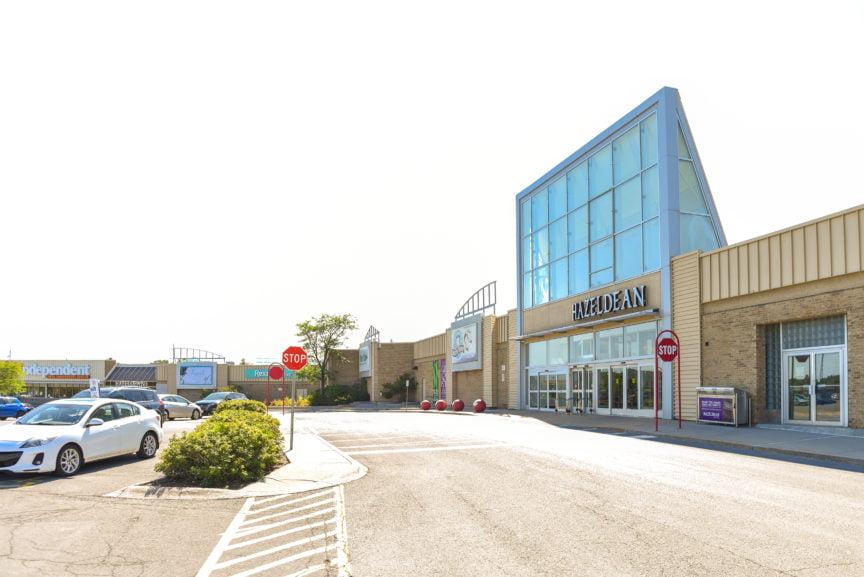 Hazeldean Mall in Kanata